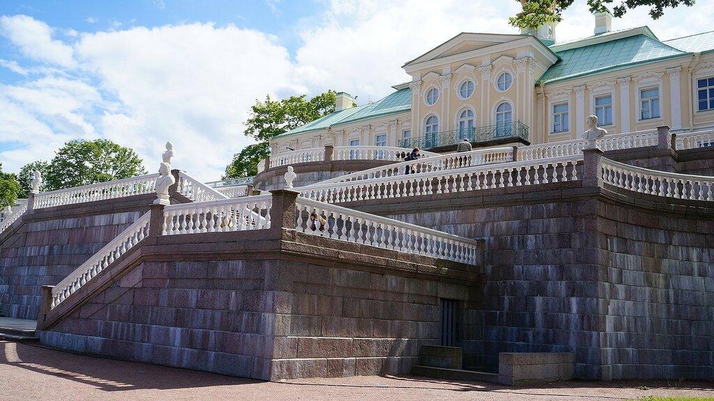 Lomonosov,_Saint_Petersburg,_Russia_-_panoramio_(22).jpg