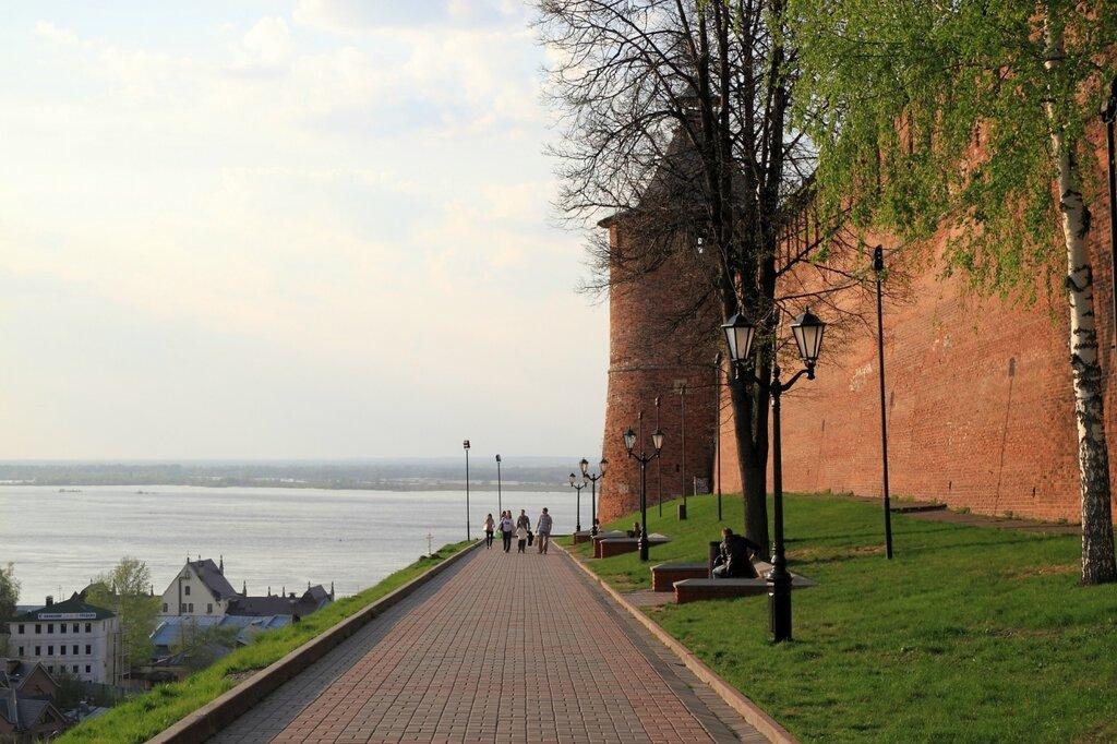 Стена и башня Нижегородского кремля