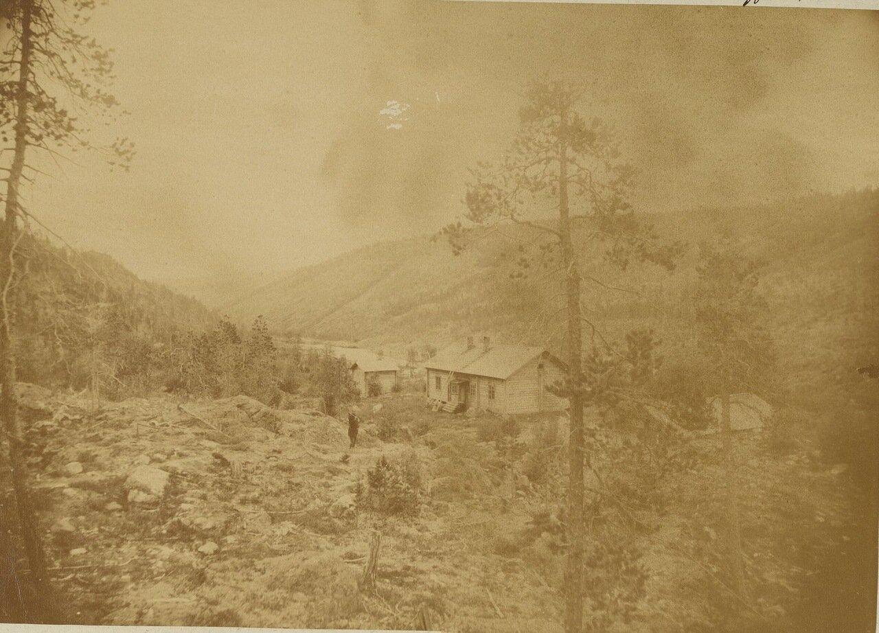 Дом землемера на берегу реки Ивало