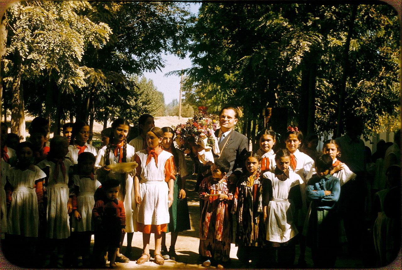 Школьники колхозной школы