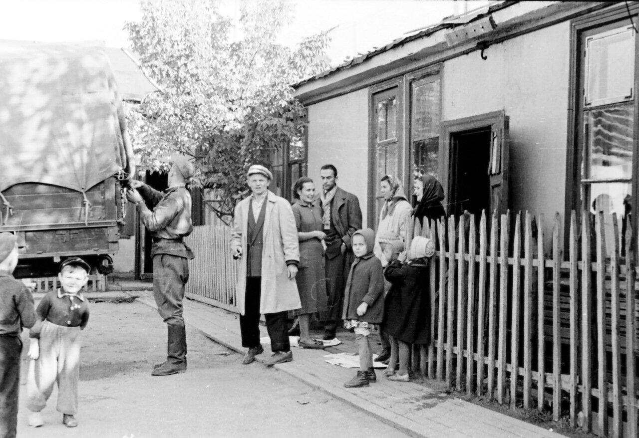 Москва, 1960-й год. Переезд из барака в Тушино в пятиэтажку в Новых Черёмушках.