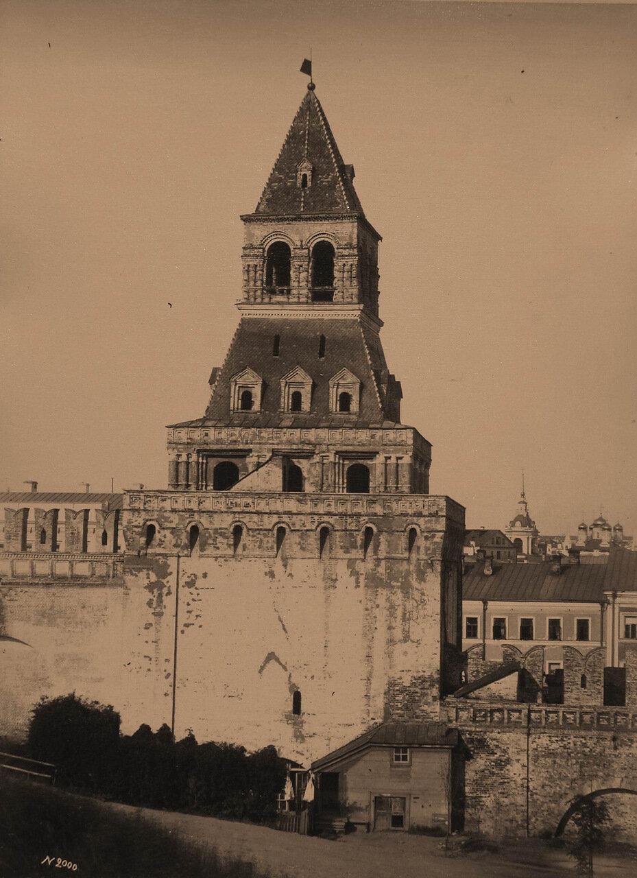 Вид на Константино-Еленинскую башню Кремля