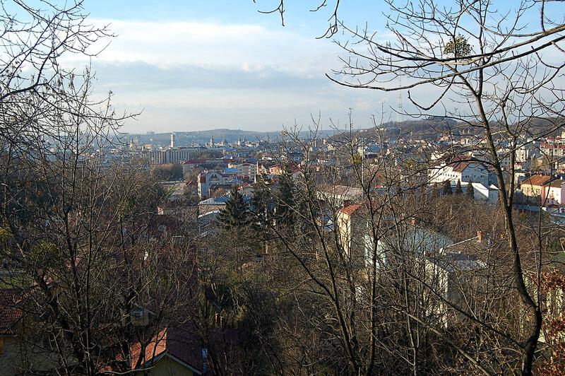 вид на центр Львова с холма Славы
