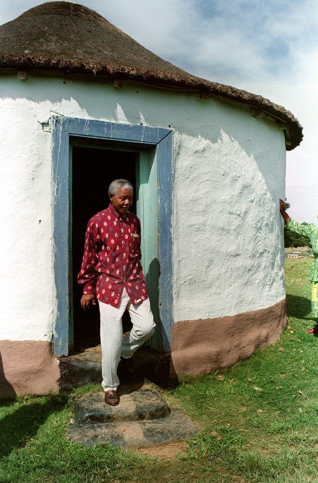 Нельсон Мандела, человек, который служил народу (интересные фотографии)