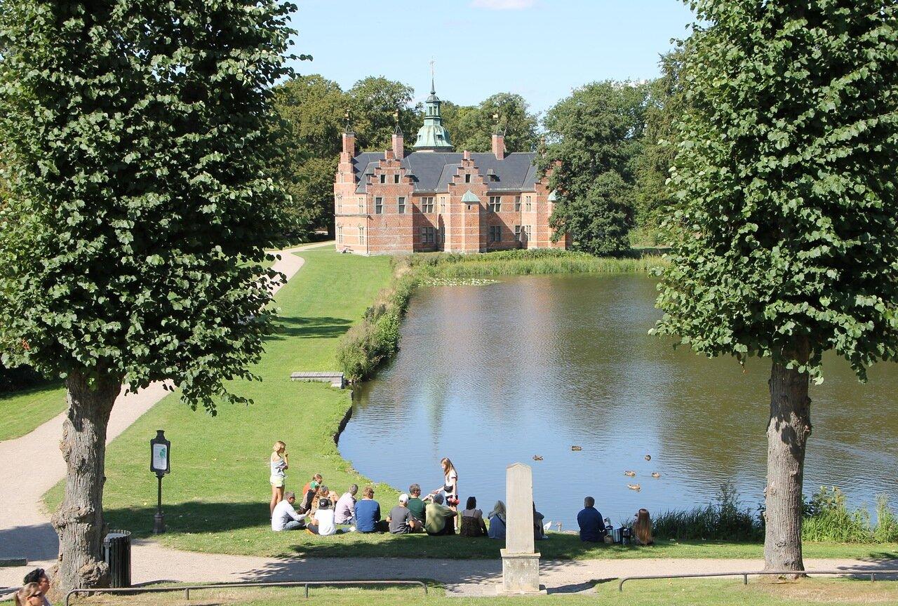 Замок Фредериксборг, парк. Frederiksborg Slot Gardens