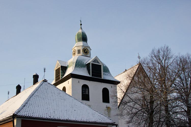 Крыша кафедрального собора в Порвоо.