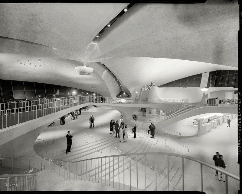 Queens, New York, 1964. Trans World Airlines Terminal, John F. Kennedy (Idlewild) Airport, 1956-62. Eero Saarinen, architect