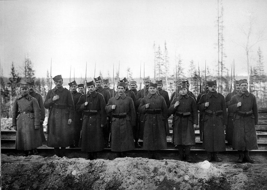07_murmansk_railway_serbs_1919.jpg