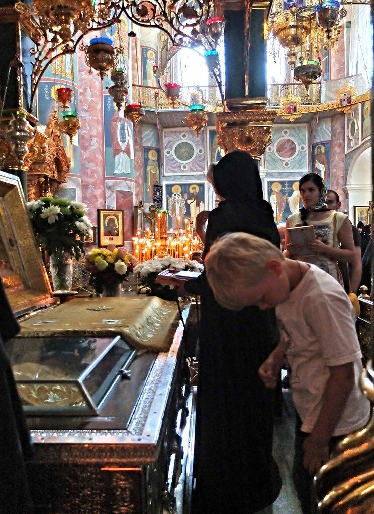 Святые мощи Серафима Саровского в Дивеево