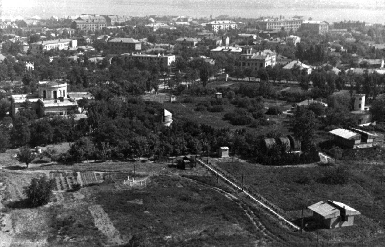 Территория обсерватории с вышки 60-е годы.