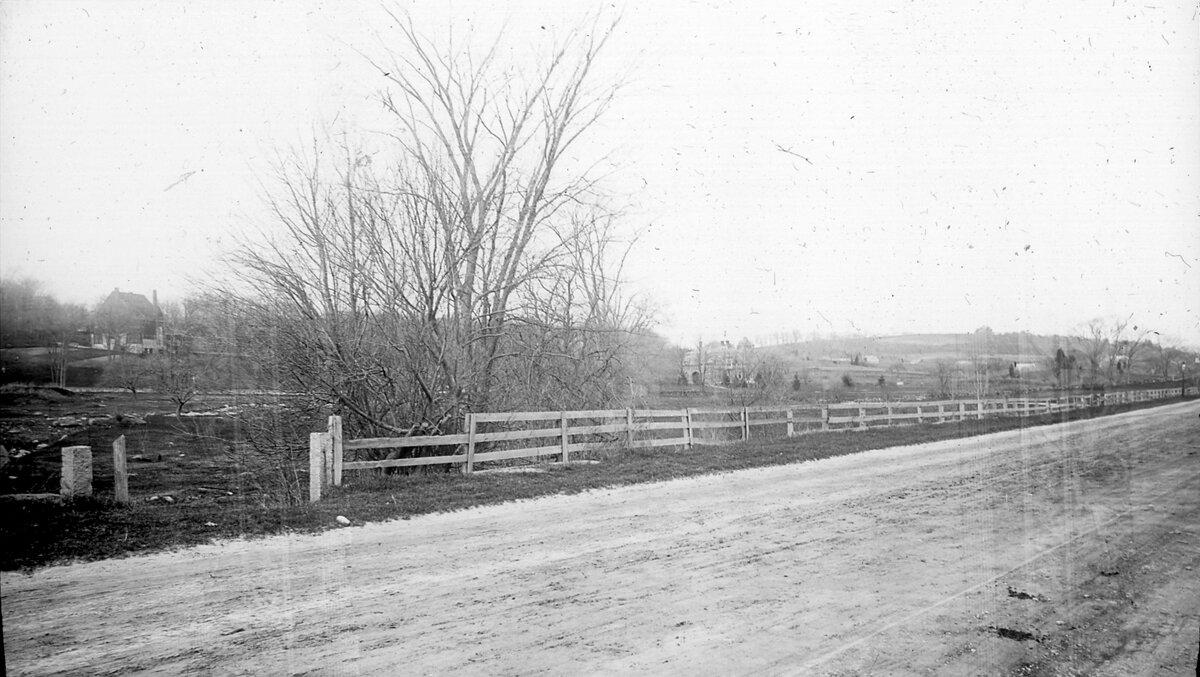 1887. К востоку от площади Кливленда