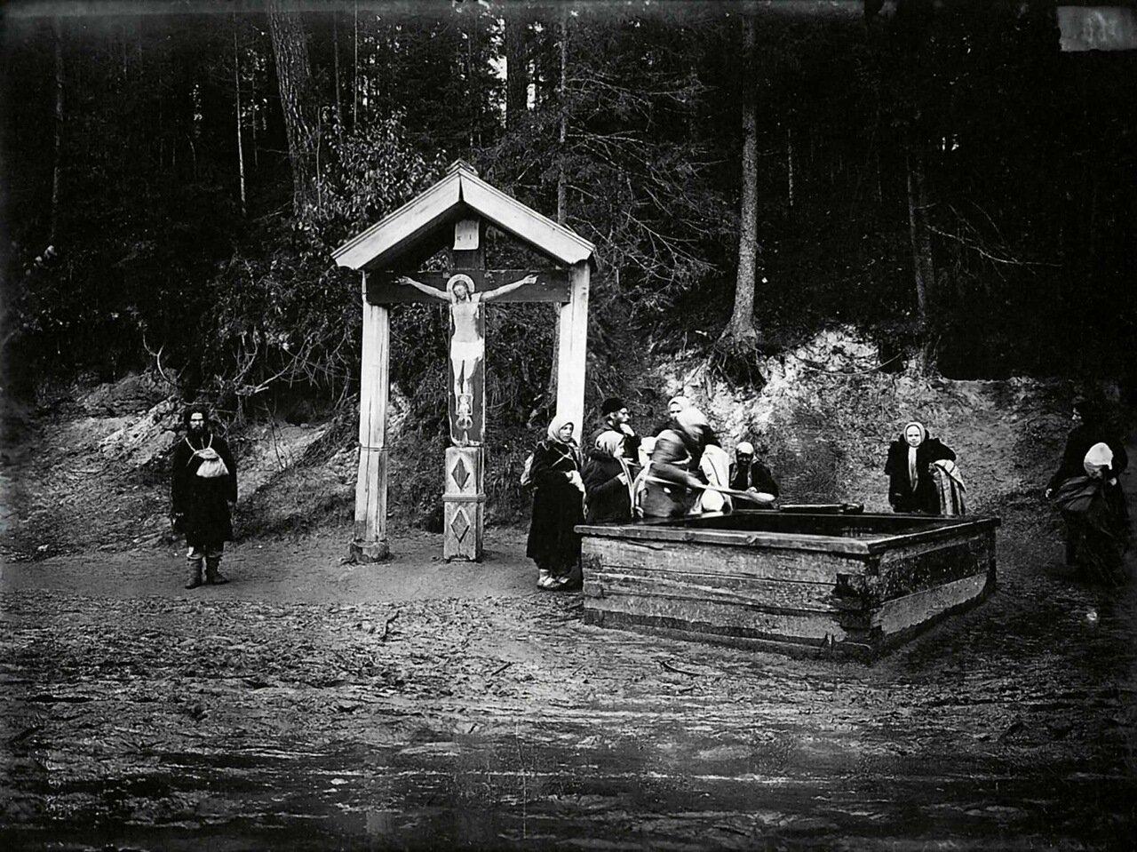 Святой источник в Саровском мужском монастыре.