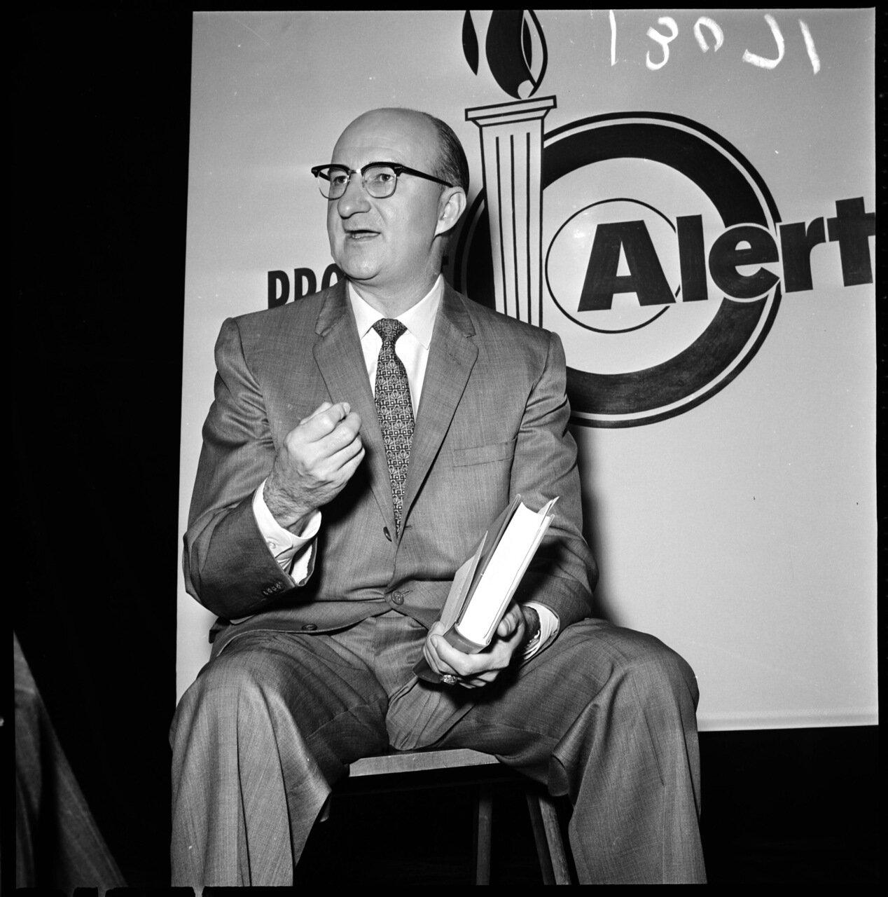 1961.14 декабря. Проект Тревога (антикоммунистическая конференция). Доктор С.Л. де Лов, президент Зала Независимости, Чикаго