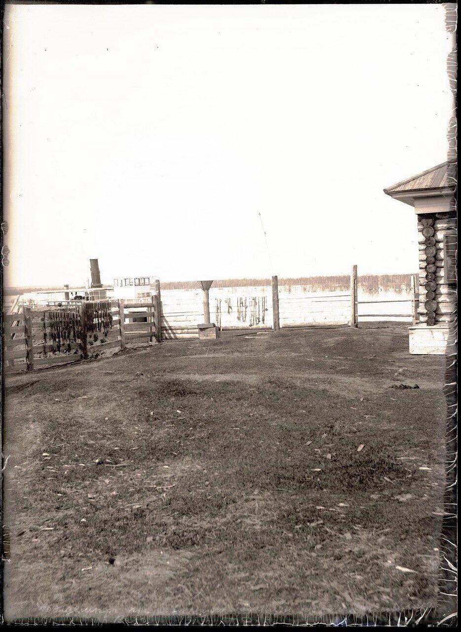 1913. Село Ларьяк.  Дождемер