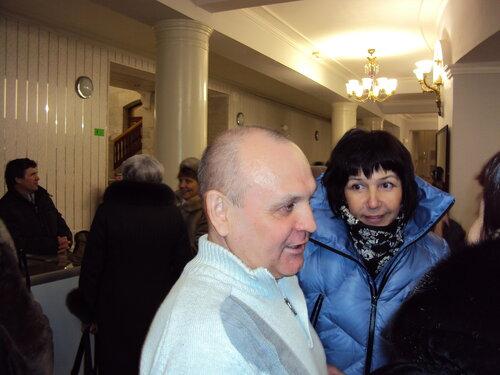 Автор пьесы со зрителями после спектакля