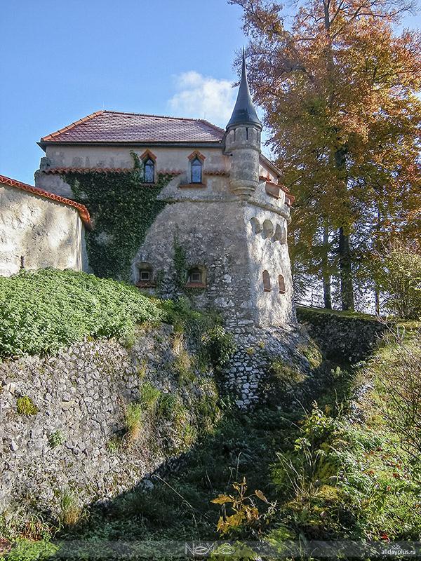 """""""Сказочный"""" замок Лихтенштайн, Баден-Вюрттемберг, Германия."""
