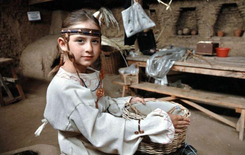 В музее демонстрируют костюмы арийцев (29.05.2013)