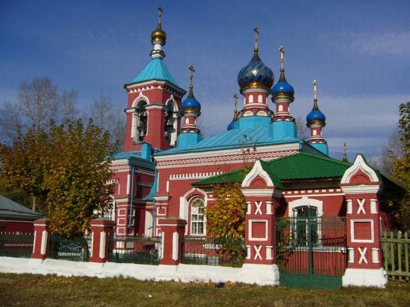 Церковь Троицы Живоначальной (01.07.2013)