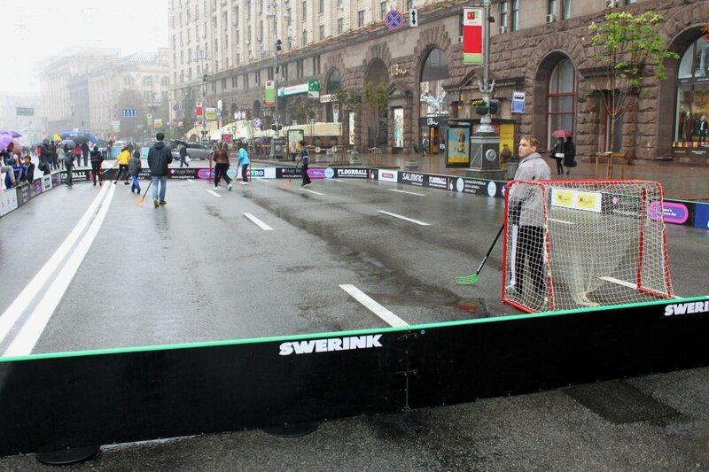 Хоккей с мячом на Крещатике