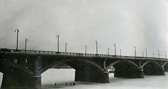 коммунальный мост, история