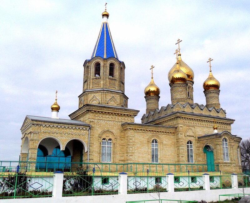 Храм в Новопокровке ... В начале года, велопробег