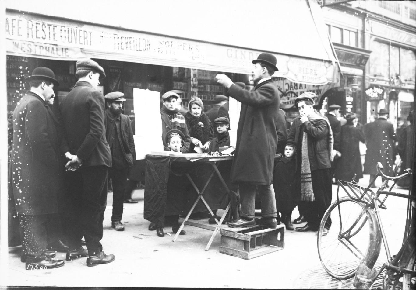 1912. Париж. Новогодний базар