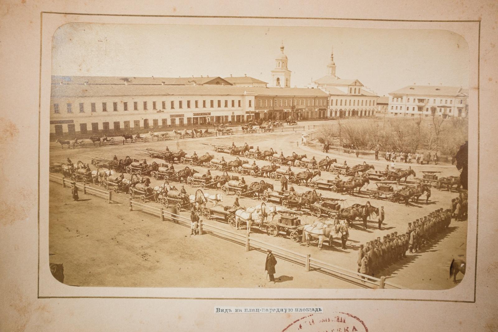 Вид на плац-парадную площадь