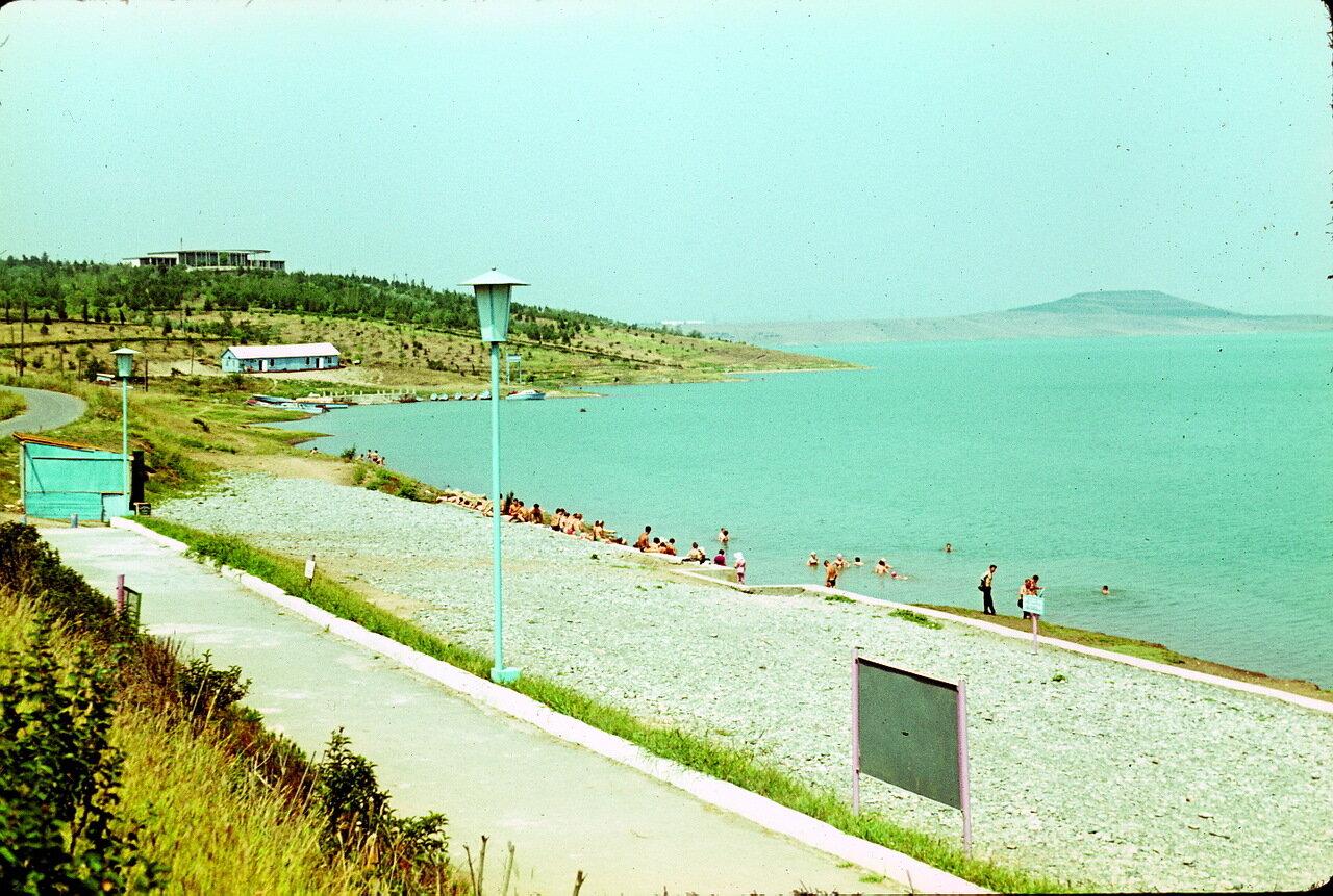 По дороге в Орджоникидзе. Море вдоль дороги
