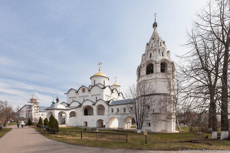 Покровский собор Покровского монастыря в Суздале