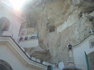 Свято – успенский пещерный монастырь