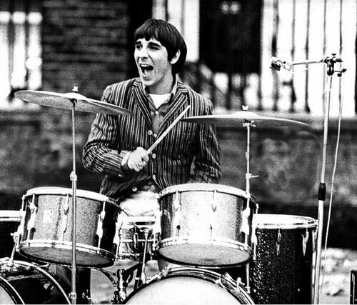 25 may in 1978, Keith Moon performed with the Who for the last time