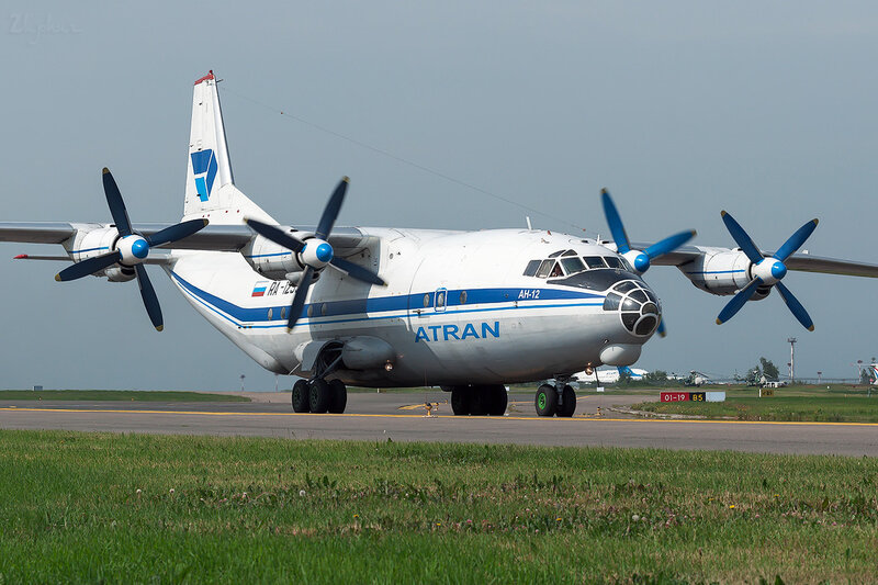 Антонов Ан-12Б (RA-12990) Атран DSC1829