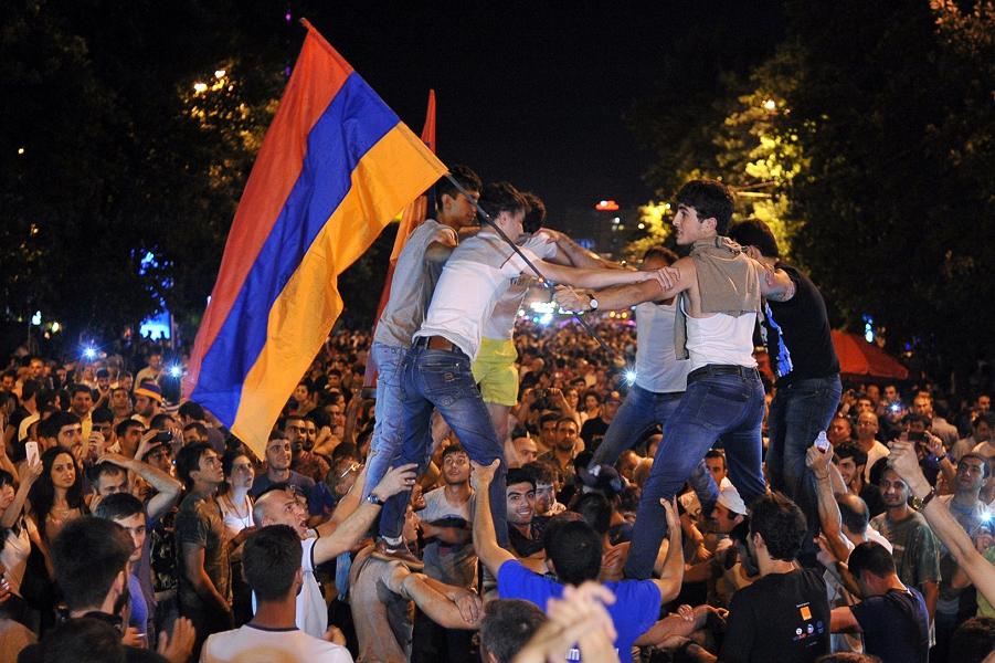 Ереван, Нет грабежу.png