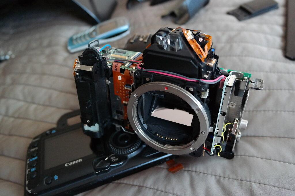 Полуразобранный Canon 5D