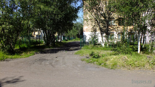 Фотография Инты №5132  Въезд (левая часть южной стороны) Коммунистической 22 16.07.2013_12:13