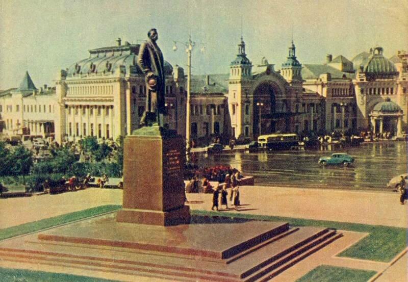 Москва. Памятник А. М. Горькому. Фото Г. Петрусова. 1957 г.