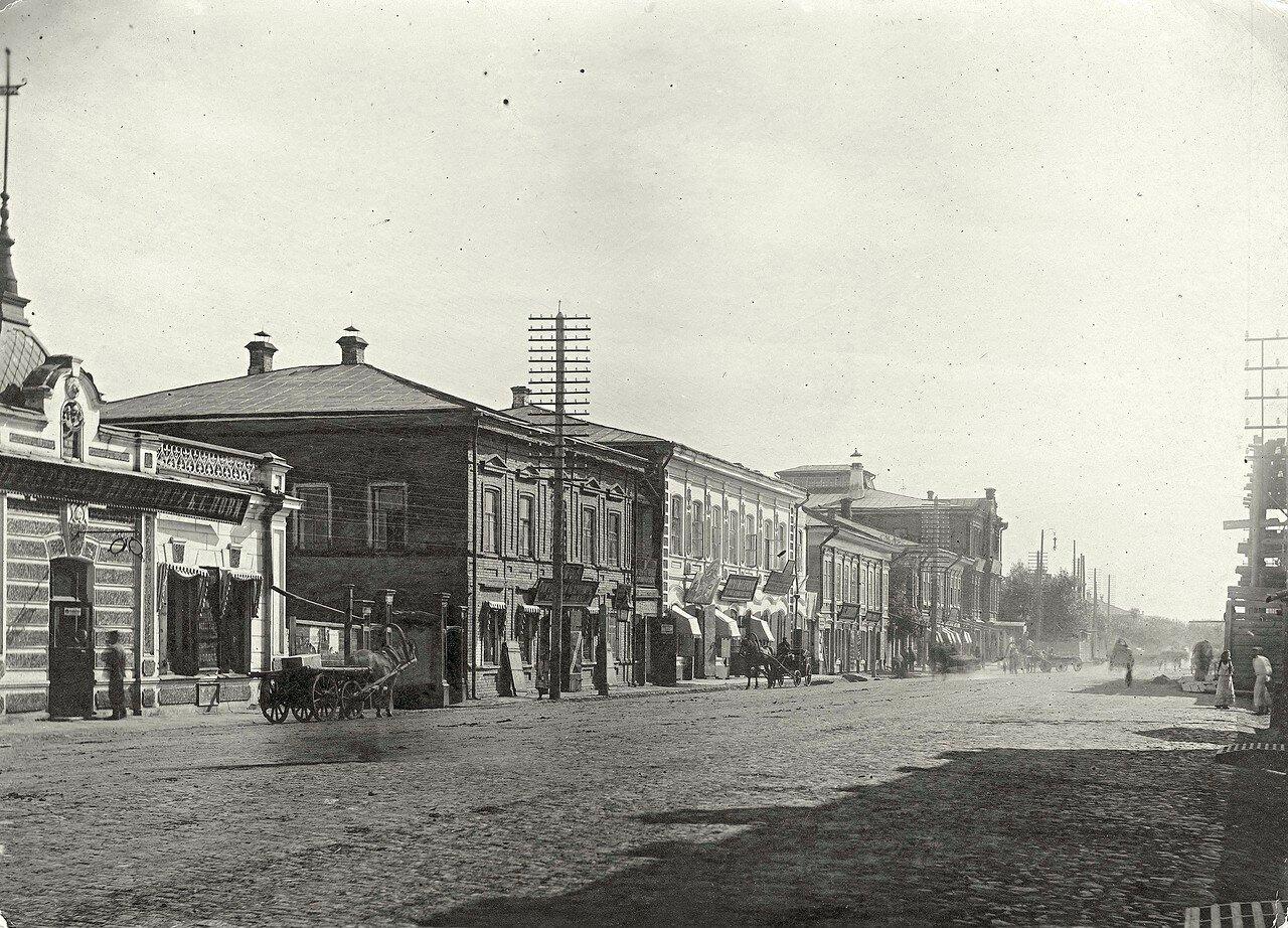 Перспектива Воскресенской улицы в направлении на восток от Гимназического переулка