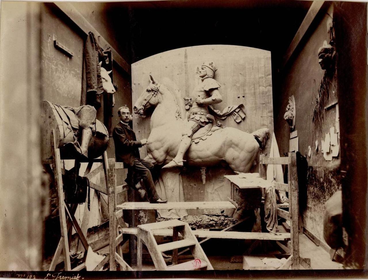 Эмманюэль Фремье (1824-1910) скульптор