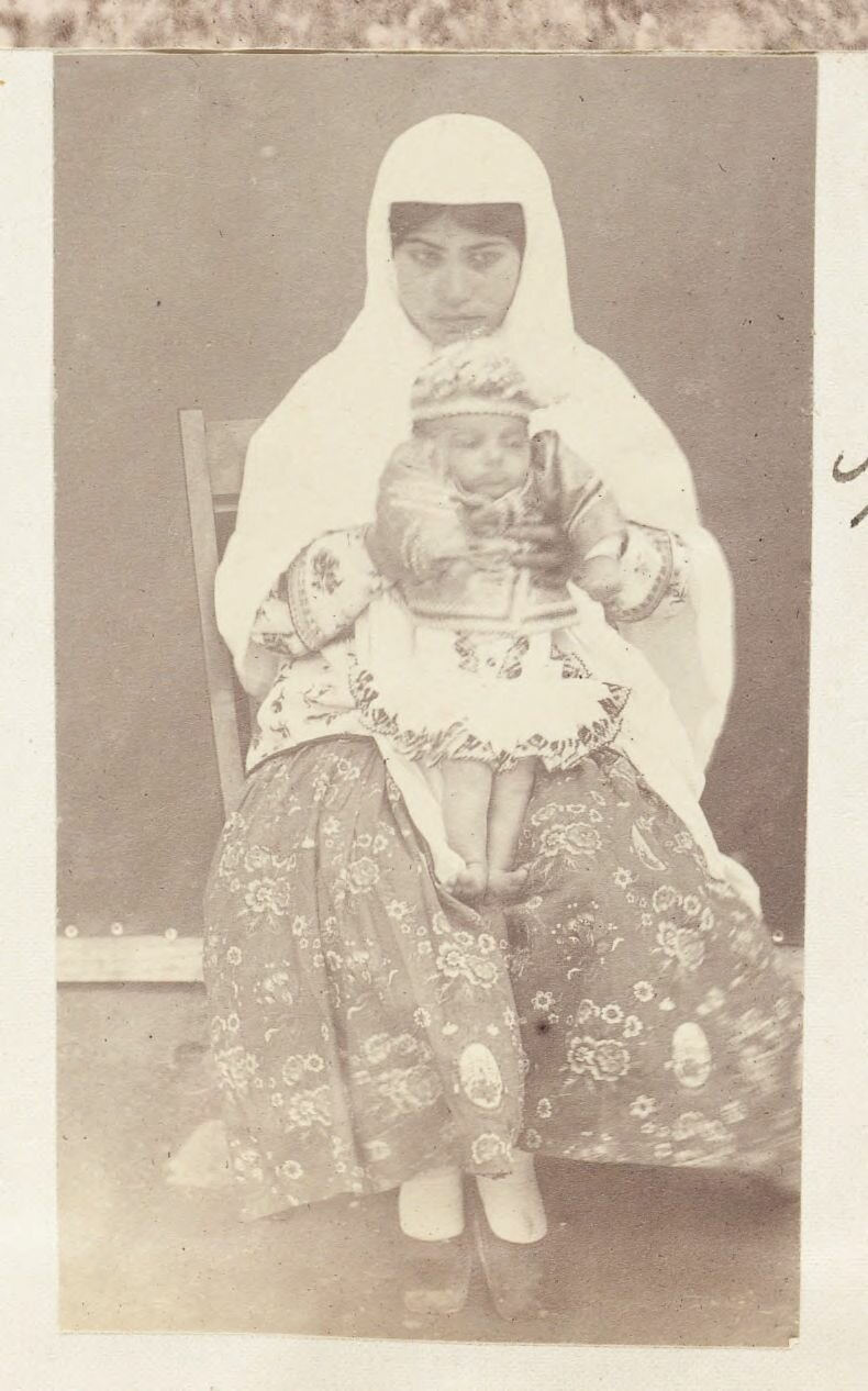 Марьям Ханум и ее служанка