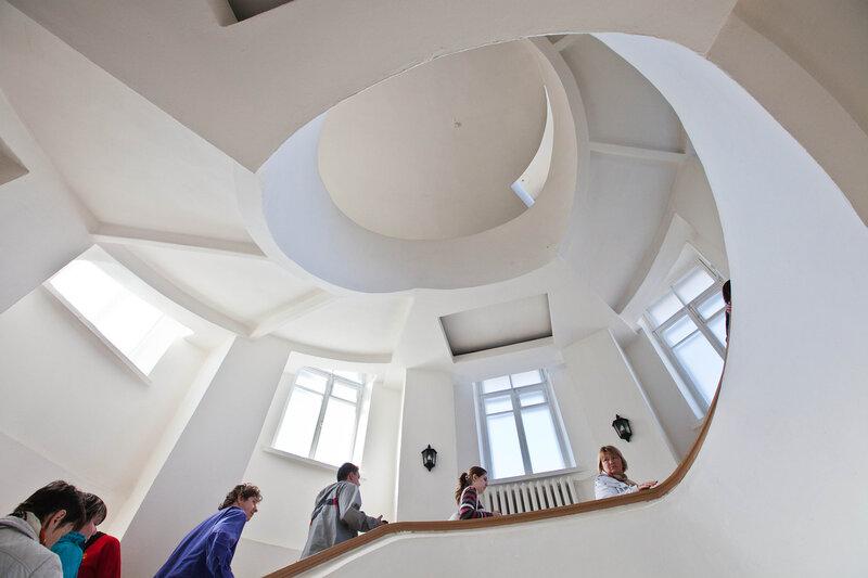 Подъем на третий уровень башни - музей Старого Владимира