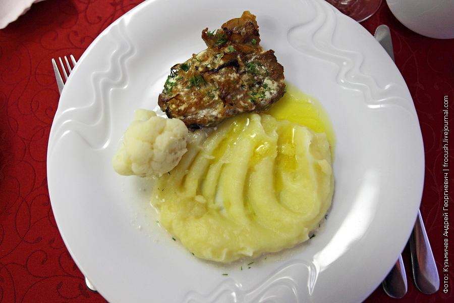 Картофельное пюре с мясом и цветной капустой