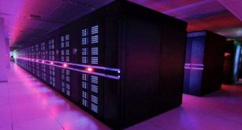 Суперкомпьютер из Китая выбился в лидеры