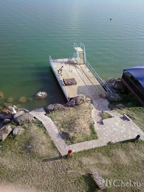 Вид на пирс озера (26.06.2013)