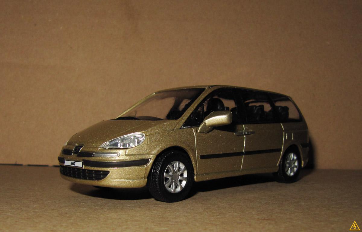 Peugeot 807 9.jpg