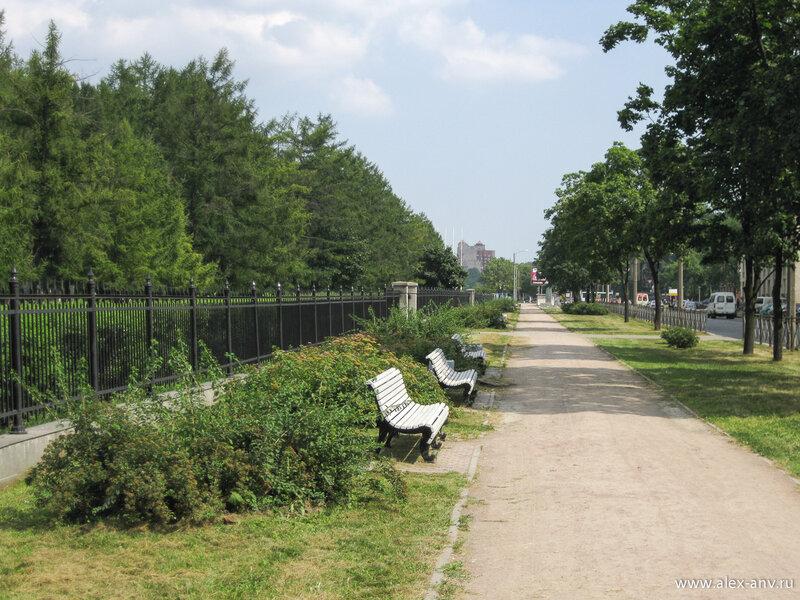 Московский парк Победы. Бассейная улица ограничивает парк с юга.