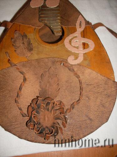 Мини бар из старой мандолины