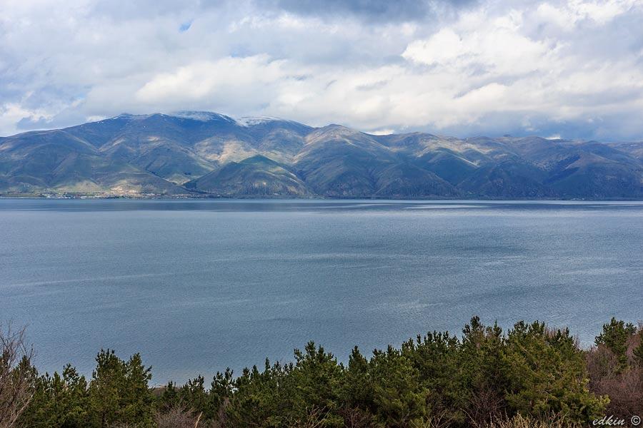 Армения, озеро Севан, монастырь Севанаванк