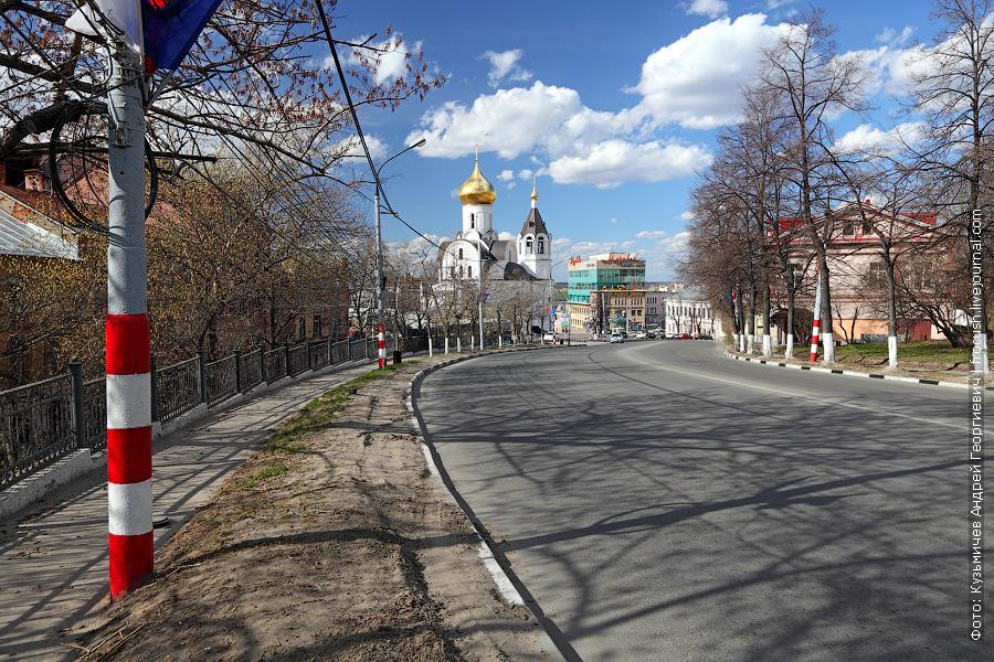 Полосатые столбы в Нижнем Новгороде