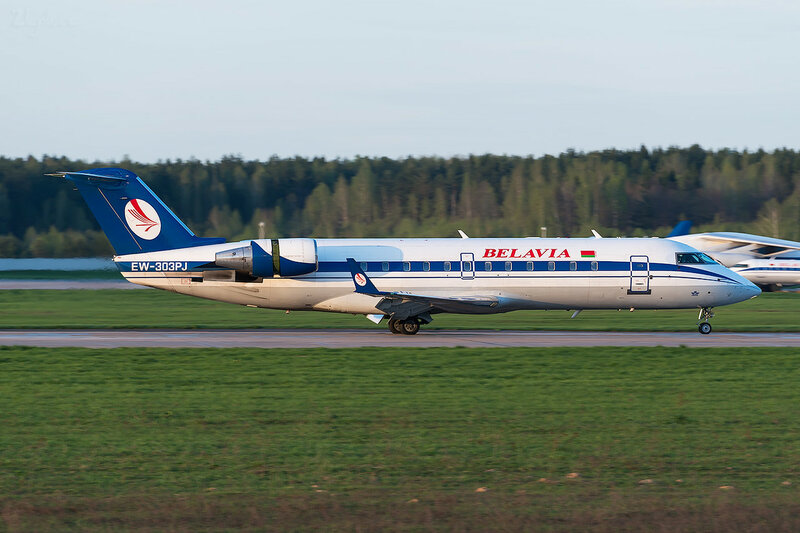 Bombardier CRJ-200LR (EW-303PJ) Белавиа D800421