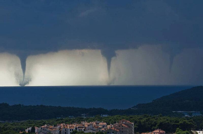 Тройной торнадо в Хорватии